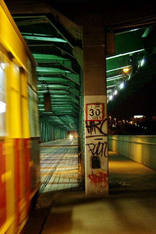 #most #noc #światło #tramwaj