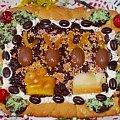 Mazurek czekoladowa-wiśniowy na kruchym cieście Przepisy do zdjęć zawartych w albumie można odszukać na forum GarKulinar . Tu jest link http://garkulinar.jun.pl/index.php Zapraszam. #ciasta #mazurek #czekolada #święta #Wielkanoc #pieczenie