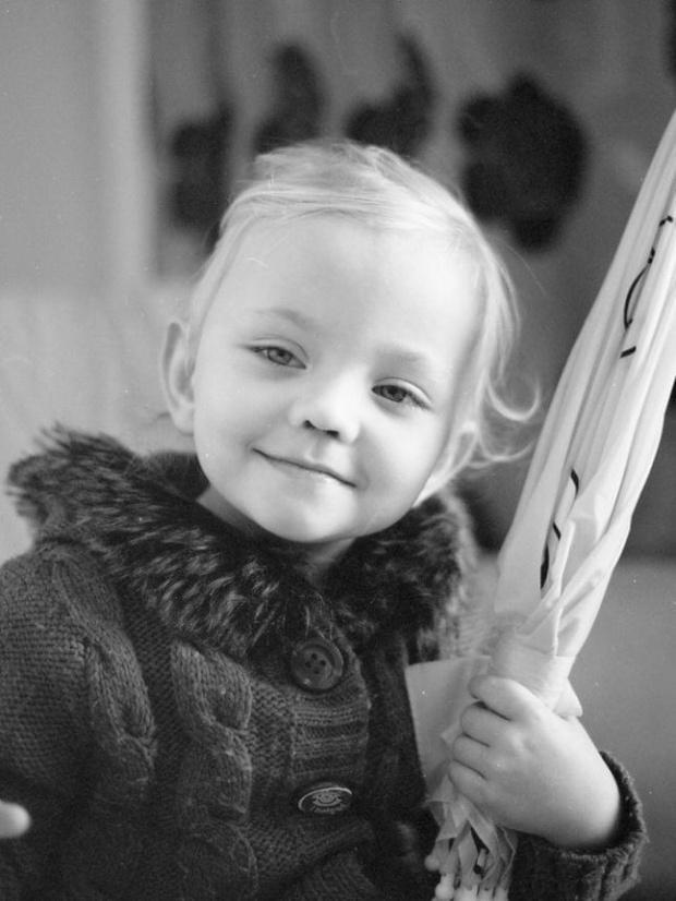 Anna :) #CanonEos50e #DzieckoKodakBw400 #lomo #portret