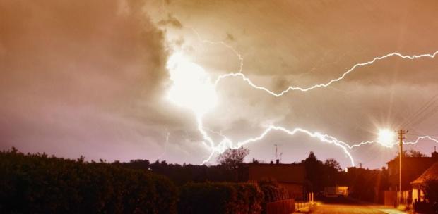 miał być księżyc.. #błyskawia #burza