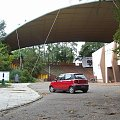 Matiz przed amfiteatrem w Koszalinie #motoryzacja #turystyka