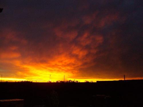 Tak wyglądał zachód zaraz po straszliwej burzy jaka klika dni temu nawiedziła Wielkopolskę.... #niebo #kolor #natura #zachód