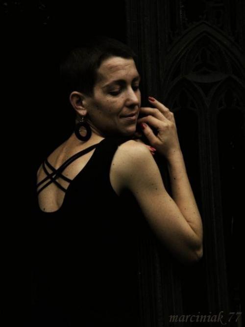 ...z mroku... w mrok... #kobieta #portret