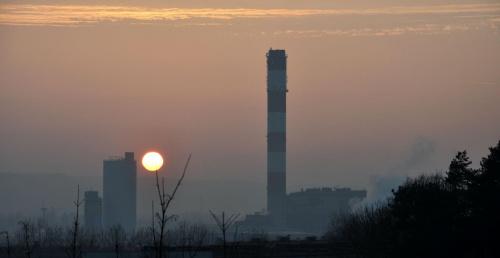 #ZachódSłońca #komin #mgła #TerenyZurbanizowane