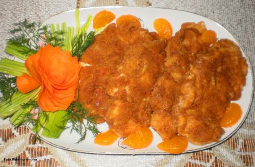 Kotleciki z kurczaka w panierce serowej. Przepisy do zdjęć zawartych w albumie można odszukać na forum GarKulinar . Tu jest link http://garkulinar.jun.pl/index.php Zapraszam. #kurczak #DróbSznycle #obiad #kotlety #jedzenie #kulinaria #gotowanie