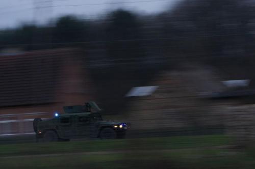 'Jeden z wielu' #samochód #wojsko #kolumna #sygnał #ruchu
